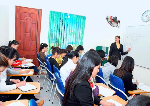 Lớp học kế toán tổng hợp thực hành tại Vĩnh Long