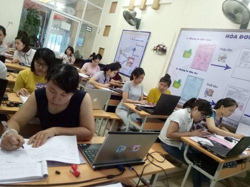 Lớp học kế toán tổng hợp thực hành tại Đông Anh